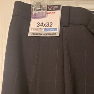 Roundtree and York travelsmart pants